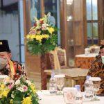 Ketua-DPD-RI-bersama-Sri-Susuhunan-Paku-Buwono-XIII-di-Keraton-Surakarta-Hadiningrat